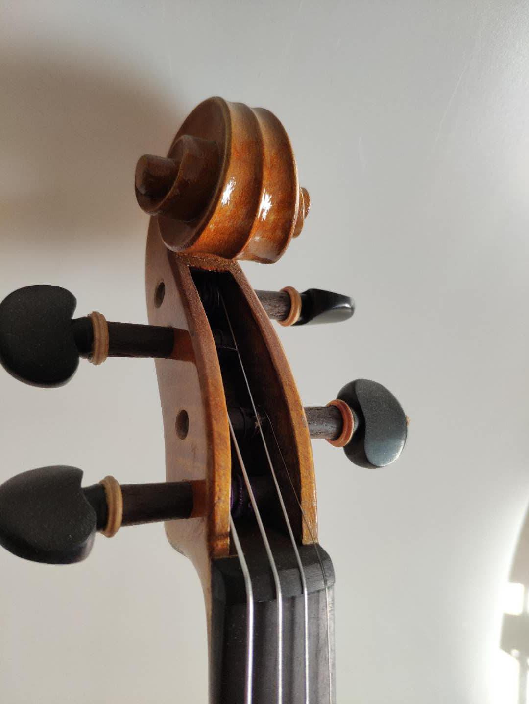 琴头和弦轴
