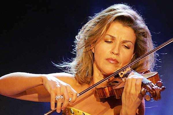 小提琴演奏家安妮-索菲·穆特