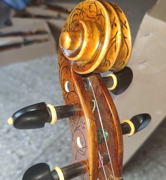 欧料小提琴,镶嵌雕花