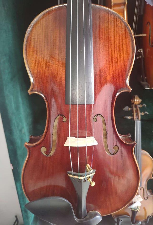 美洲枫红色小提琴44