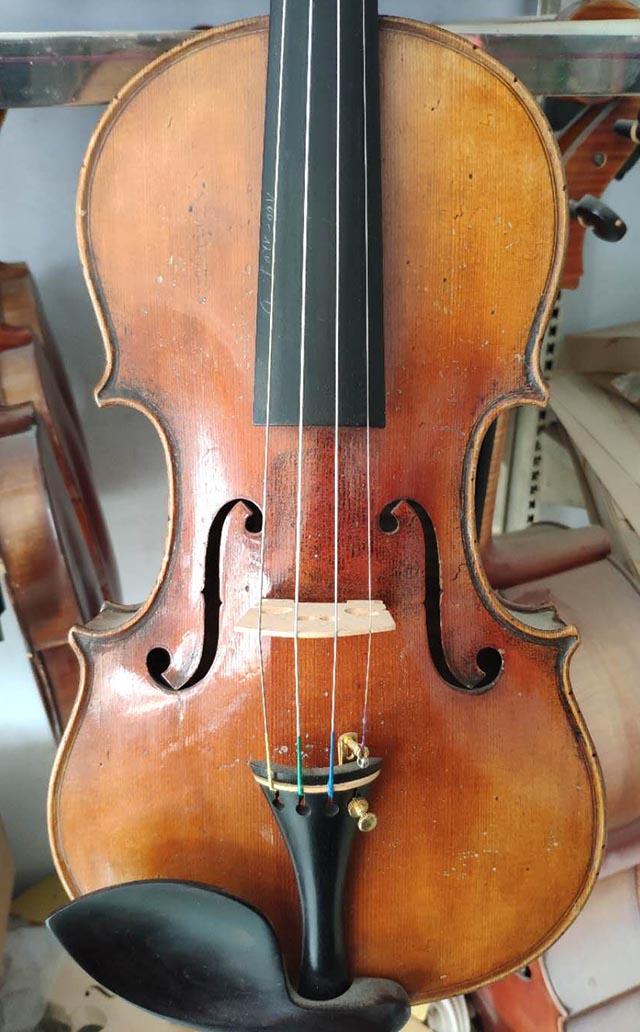 德国购进古董小提琴