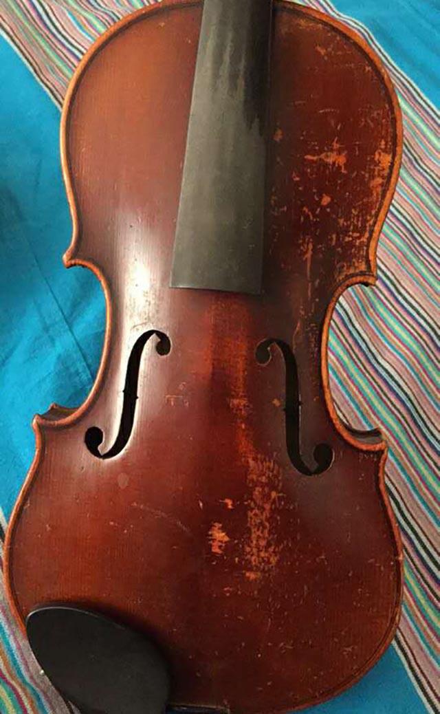 法国深红色二手小提琴