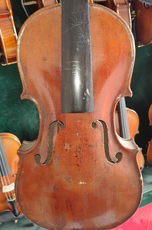 古董小提琴