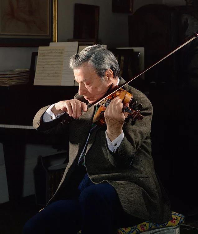 小提琴演奏家内森·米尔斯坦
