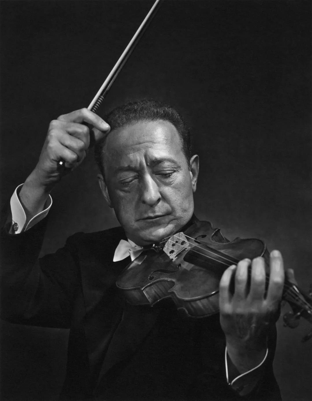 小提琴演奏家雅沙·海菲兹